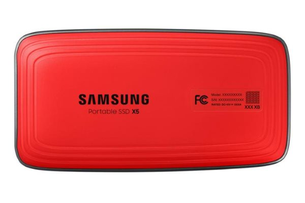 Samsung Portable SSD X5 снизу